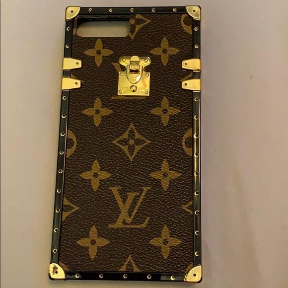 online retailer f4e79 e3ca4 FAKE Louis Vuitton iPhone 8 Plus case